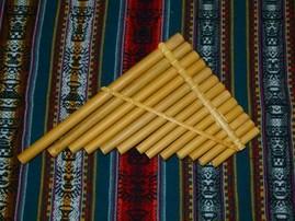 Musikinstrumente aus den Anden vom Profi in Handarbeit hergestellt zu verkaufen