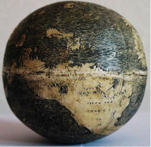 Der älteste Globus der Welt: Südamerika auf einem echten Straussenei