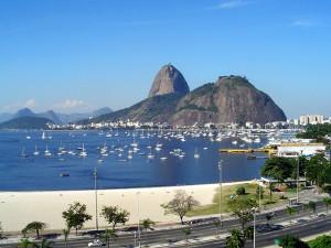 http://commons.wikimedia.org/wiki/File:P%C3%A3o_de_A%C3%A7%C3%BAcar_-_Rio_de_Janeiro,_Brasil%282%29.jpg